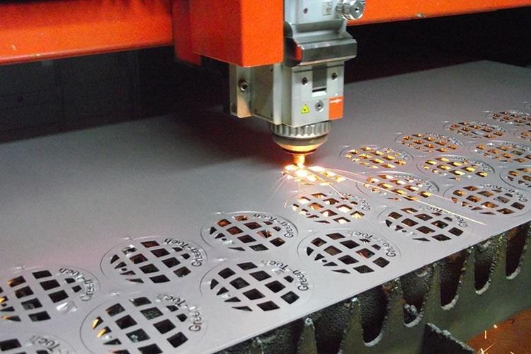 cutting laser plat besi metal